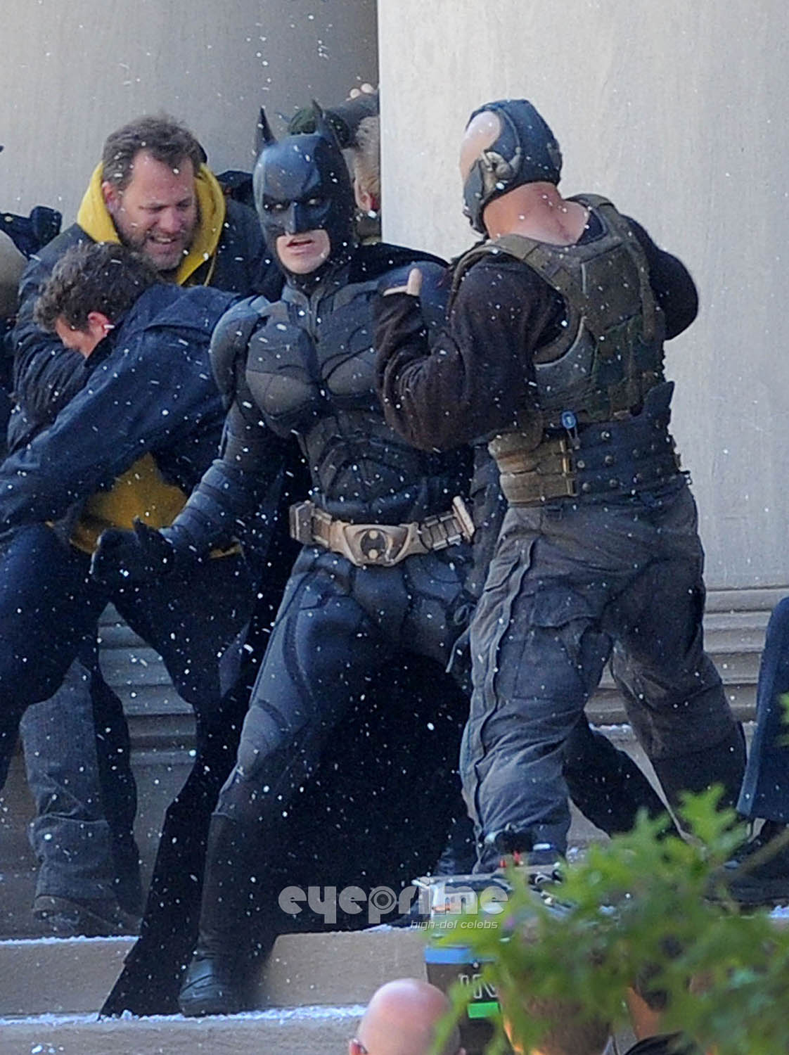 Batman and bane face off in the dark knight rises set pics sg voltagebd Images