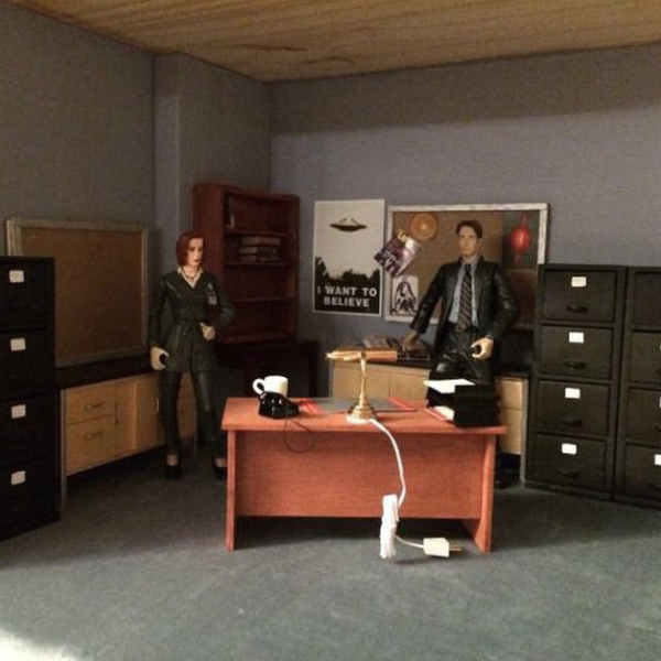 miniature_x_files_office_5