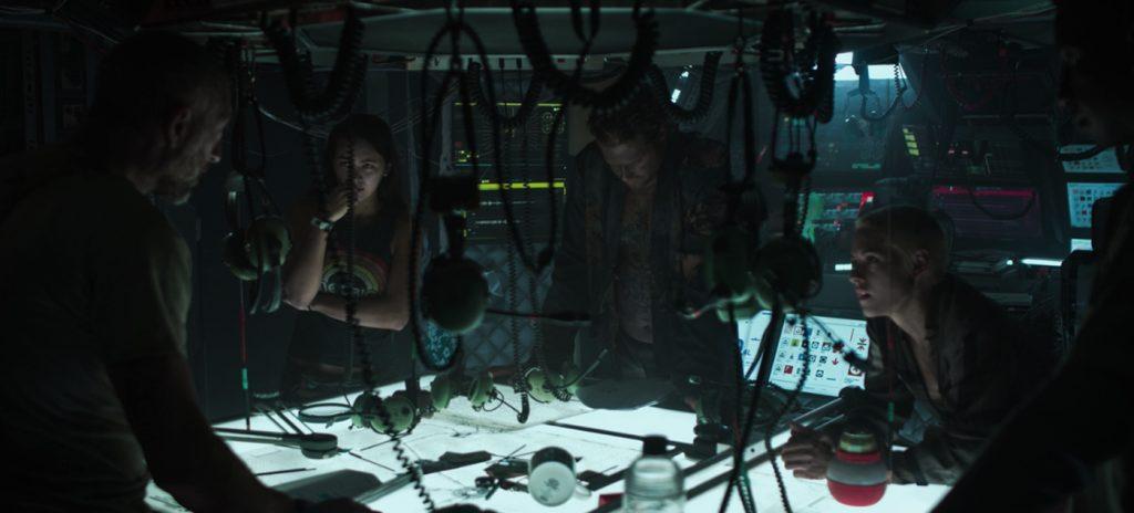Underwater review Kristen Stewart Jessica Henwick