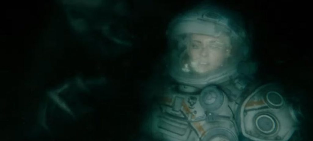 Underwater review Kristen Stewart